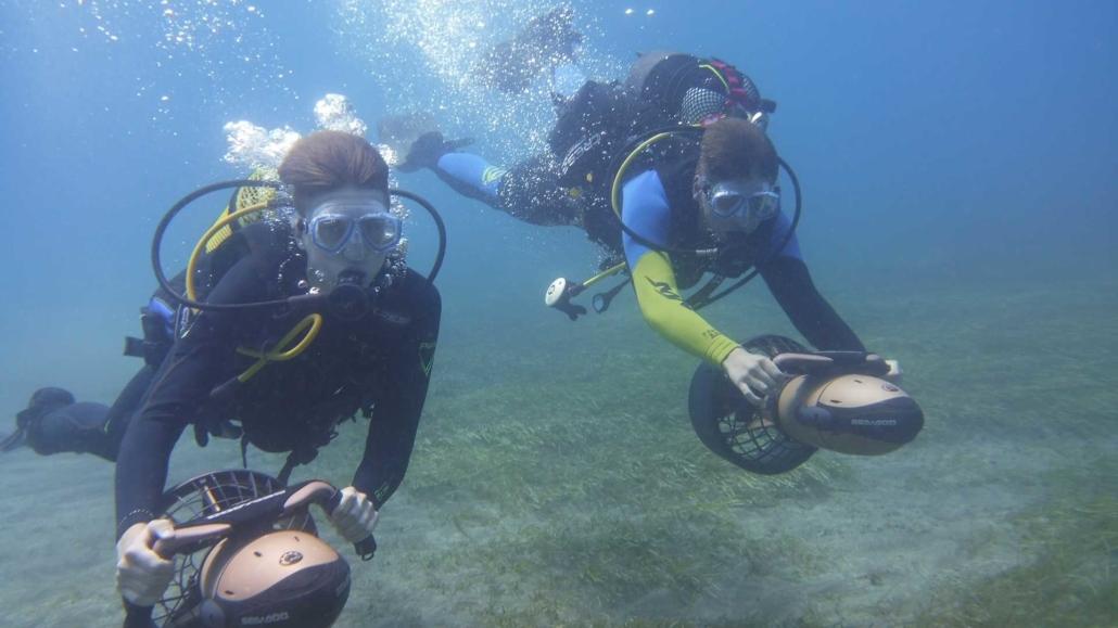 Tauchen mit Unterwasserscooter